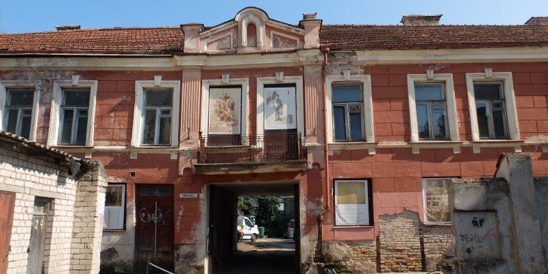 Šiame pastate Žemaitijos gatvėje 1941-1943 m. veikė Vilniaus geto biblioteka